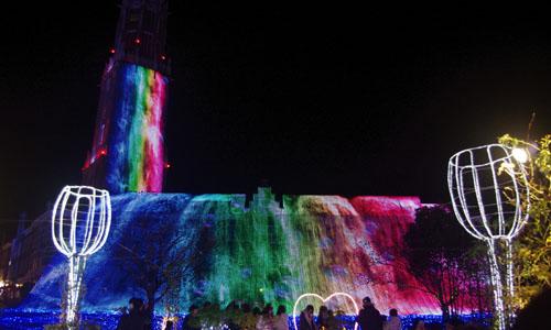 光の滝の虹色